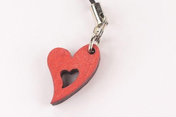 Sydän-kännykkäkoru -punainen