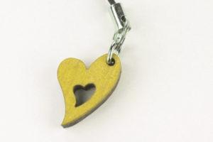 Sydän-kännykkäkoru -keltainen