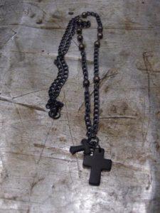 Kaulakoru, 2 ristiä