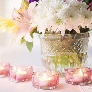 Kynttilät ja kynttilänjalat