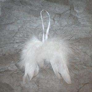 Ripustettavat pienet enkelinsiivet