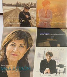 Nina Åströmin suosituimmat (4CD + kirja)